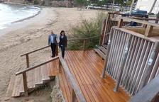 Finalitzen els treballs de renovació de les escales d'accés a Platja Capellans