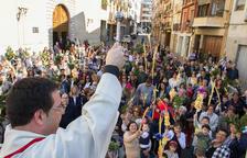 Palmas arriba, la ciudad entra de lleno en la Semana Santa