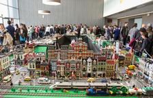 Milers d'aficionats a Lego omplen FiraReus amb el Catbrick 2017