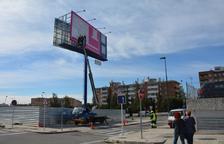 Retiran el polémico tótem publicitario del Parc Riuclar de Tarragona