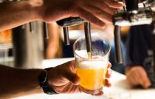 L'estudi no demostra que la cervesa sigui bona per la salut, ja que els efectes del consum reiterat d'alcohol són molt perjudicials.