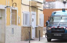 Vuit detinguts per vendre droga en un domicili de Sant Josep Obrer