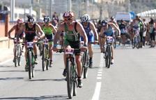 El primer triatló XTerra aplega prop de 500 atletes a Tarragona