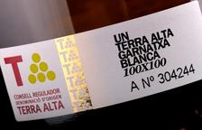 La Guía Peñín anima la DO Terra Alta a aprofundir en els vins de garnatxa blanca envellits, «poc ortodoxos i inusuals»