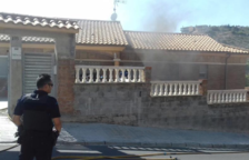 Un incendi en un habitatge a Segur de Calafell descobreix 15 plantes de marihuana