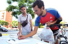 Punt de recollida de signatures que Oppida va instal·lar dimarts a Vidal i Barraquer.