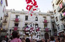 Valls empieza la Fiesta Mayor con una chalada pedorrera de globo