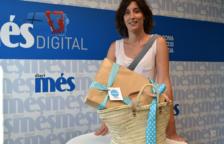 Barbara Rodriguez recull el premi de la cistella del Diari Més