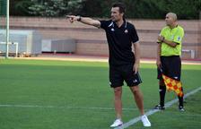 López Garai dirigiendo el CF Reus en su primer partido.