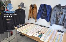 Documents identificatius que feien servir els estafadors per treure diners en bancs.