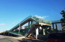 Segons els dos municipis, la passarel·la és insegura per als vianants.