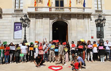 La plaza de la Fuente ha acogido un centenar de miembros de la comunidad musulmana tarraconense.