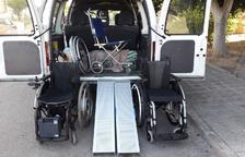 Una campanya solidària aconsegueix una cadira de rodes per un vendrellenc sense recursos