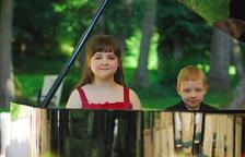 Dos germans alemanys prodigi del piano actuen a Creixell