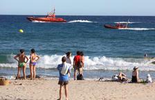 Un hombre ebrio, herido grave al entrar en el mar con bandera roja