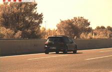El vehicle circulava per l'AP-7 a l'alçada de Reus.