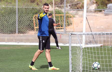 El Nàstic golea en penaltis y gana en el Reus en expulsiones