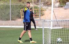 Stole Dimitrievski, durante un entrenamiento con el Nàstic la semana pasada en el anexo del Nuevo Estadio.