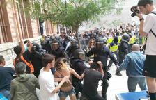 Les càrregues policials a l'Institut Tarragona.