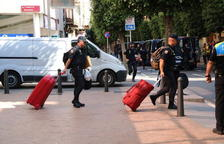 Comença el trasllat de Policies Nacionals i Guàrdies Civils a Catalunya per la sentència de l'1-O