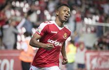Uche, celebrant un dels dos gols que va anotar aquest dimecres davant del Granada, al Nou Estadi.