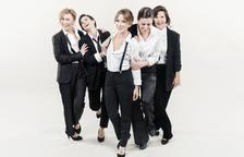 Las entradas para el espectáculo 'Homes, la comèdia musical,' se pueden conseguir a un precio de 25 euros y 20 euros con los descuentos habituales.