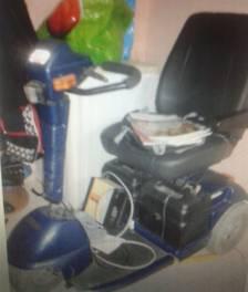 Una veïna desnonada no pot tornar al pis per recuperar la seva cadira de rodes
