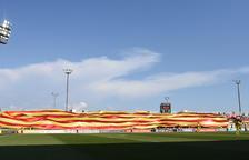 Archivan el expediente disciplinario al CF Reus para exhibir la bandera gigante