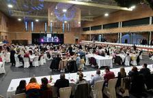 300 persones grans participen al tradicional dinar de Nadal de La Pobla