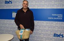 Rafael Carmona Barreto recull la cistella de Diari Més