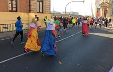 Un total de 170 personas hicieron el recorrido de 5 kilómetros, mientras que 30 niños y niñas tomaron parte de las carreras infantiles.