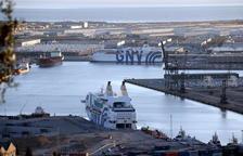Els creuers GNV Azzurra i Rhapsody (en primer terme) al Port de Barcelona, el 30 de setembre de 2017.