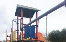 Muchas familias han pedido al consistorio que instale este elemento de seguridad en los parques dónde no había.