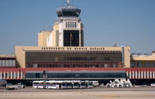 Más de un millar de coches colapsan el aeropuerto de Barajas como protesta por la sentencia
