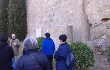 A la dreta, columnes de granit procedents de la zona de Troia.