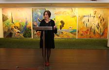 Begoña Floria durant la presentació del Centre d'Art al vestíbul del Teatre Tarragona.