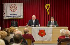 L'alcalde Carles Pellicer, a l'esquerra, i el president del Centre d'Amics de Reus, Joan Maria Mallafré.