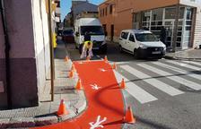 Calafell senyalitza i amplia els passos de vianants per prevenir accidents