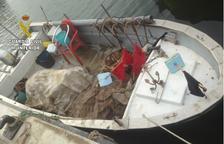 La Guàrdia Civil decomissa 93 arts de pesca prohibida a La Ràpita