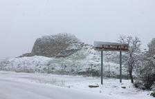 La neu obliga a tancar les escoles i suspendre el transport escolar a la Terra Alta