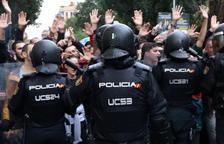 Imatge dels agents de la policia espanyola el dia 1 d'octubre.