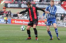 Máyor intenta deshacerse de un rival durante el Reus-Lorca correspondiente a la 26ª jornada de Liga.