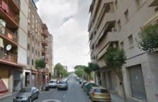 Un lampista cae de tres metros a Reus