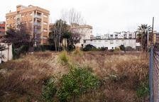 Calafell adequarà el solar del carrer Loira de Segur per fer-hi cent places d'aparcament