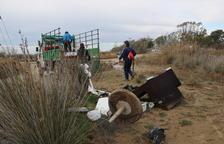Recogen 4 toneladas de residuos, la mayoría plásticos, en la campaña 'Por un Delta Limpio|Neto'