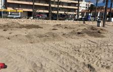 Calafell prova un sistema de dunes per evitar el retrocés de les platges