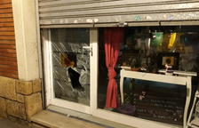Intento de robo con fuerza en una tienda de la calle Mossèn Ritort i Faus