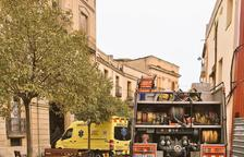 Evacuada por inhalación de humo en un incendio a Sant Pere i Sant Pau