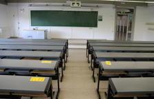 Imagen de una aula vacía de la UAB.