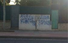 Denuncien unes pintades antiindependentistes en diversos habitatges de Vilafortuny